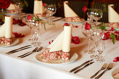 Ajuste de moda de la tabla con diseños florales Fotografía de archivo