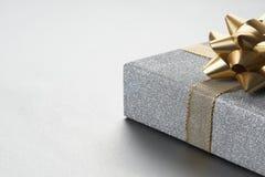 Ajuste de prata bonito do presente de Natal imagens de stock