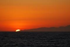 Ajuste de Sun atrás do dume da pinta Imagem de Stock Royalty Free