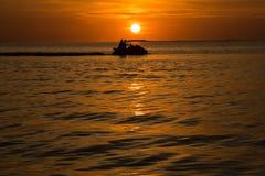 Ajuste de Sun behing PWC Imagen de archivo
