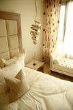 Ajuste do quarto de convidados Fotos de Stock Royalty Free