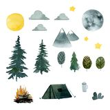 Ajuste do verão que acampa na floresta com uma barraca, uma lua e umas árvores ilustração royalty free