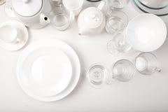 Ajuste dos pratos brancos, vista superior imagem de stock