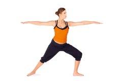 Ajuste el ejercicio practicante de la yoga de la mujer atractiva Fotos de archivo libres de regalías