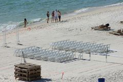 Ajuste el Golfo de México de la boda de playa imagenes de archivo