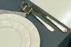Ajuste elegante de la tabla en restaurante Fotos de archivo libres de regalías