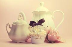 Ajuste elegante lamentable retro del té de la tarde o de la mañana del estilo del vintage elegante imagen de archivo libre de regalías