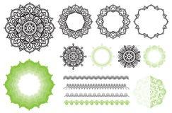 Ajuste elementos dos quadros da mandala, escovas Imagens de Stock
