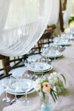 Ajuste festivo da tabela Decoração do casamento Ajuste da tabela no estilo clássico imagens de stock royalty free