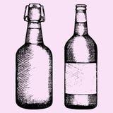 Ajuste a garrafa da cerveja Fotografia de Stock Royalty Free