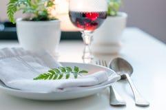 Ajuste home da mesa de jantar do vintage Imagem de Stock Royalty Free