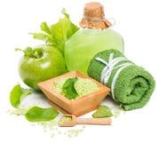 Ajuste natural del balneario con los productos de la manzana verde Imagen de archivo