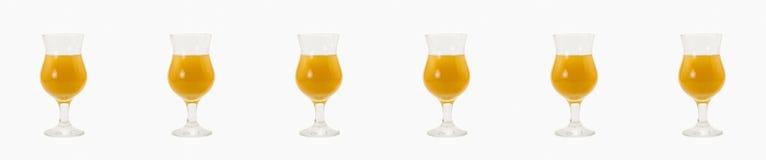 Ajuste o Vo alaranjado de vidro da gim dos ingredientes do álcool da mistura do álcool do cocktail fotografia de stock