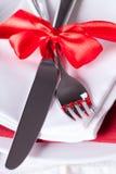 Ajuste rojo romántico de la tabla de la Navidad Imágenes de archivo libres de regalías
