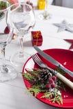 Ajuste rojo romántico de la tabla de la Navidad Foto de archivo libre de regalías