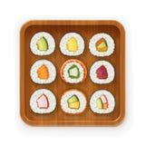 Ajuste rolos de sushi com o vário ingrediente na bandeja de madeira Coleção da comida rápida ilustração stock