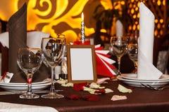 Ajuste romántico de la cena para fechar noche con el espacio de la copia Foto de archivo