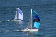 Ajuste-se livre entre o estiramento vasto do azul!!! Fotografia de Stock