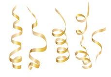 Ajuste a serpentina encaracolado da fita do ouro Isolado no fundo branco ilustração stock