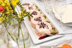 Ajuste tartare de color salmón del restaurante Foto de archivo