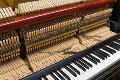 Ajustement de piano Photo libre de droits