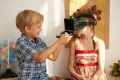 Ajustement des verres de VR Image libre de droits