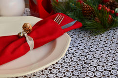 Ajustes da tabela do Natal no tom vermelho Imagens de Stock