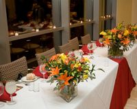 Ajustes de lugar da tabela de banquete imagens de stock royalty free