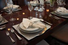Ajustes de lugar formais do jantar Foto de Stock