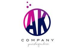AK ein k-Kreis-Buchstabe Logo Design mit purpurrotem Dots Bubbles Stockbilder