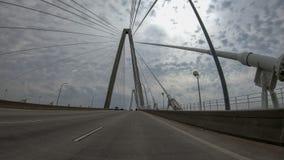 aka亚瑟小船桥查尔斯顿木桶匠小ravenel被采取的河sc游览 桥梁是在小屋的一座缆绳被停留的桥梁 库存照片