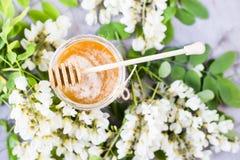 Akacia och honung - en läka produkt Royaltyfri Bild