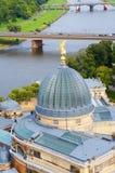 Akademi av konst i Dresden och Elbe River Royaltyfria Foton