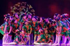 Akademi för dans för Peking för exponeringsglas för mormor` som s graderar för barn` s för prov den utstående utställningen Jiang Royaltyfria Bilder
