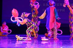 Akademi för dans för Peking för munterhetpark- som graderar för barn` s för prov den utstående utställningen Jiangxi för prestati Royaltyfri Bild