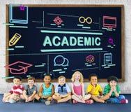 Akademicki kampusu dyplomu szkoły wyższej dyplomu nauki pojęcie Zdjęcia Stock