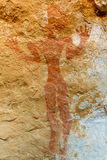 akakus利比亚山刻在岩石上的文字撒哈拉&#22 图库摄影