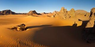 akakus利比亚山撒哈拉大沙漠日出 库存图片