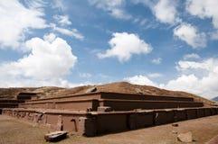 Akapanapiramide - Tiwanaku - Bolivië stock foto