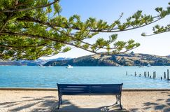 Akaroa che è situato all'isola del sud della Nuova Zelanda Fotografia Stock Libera da Diritti