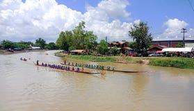 Akart-amnouy Skonnakorn/泰国- 2018年8月27日:[长的小船 库存照片