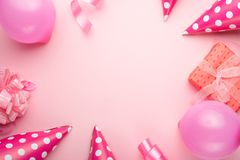 Akcesoria dla dziewczyn na różowym tle Zaproszenie, urodziny, girlhood przyjęcie, dziecko prysznic pojęcie, świętowanie Sztandar  obraz royalty free