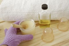 akcesoria kąpać się ciała kawioru klejnotu mleka mydła zdroju kamieni ręczniki masaży banki, struga Ciał traktowania Zdjęcia Royalty Free