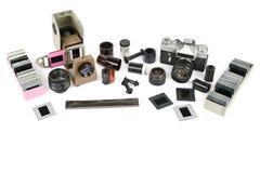 Akcesoria kamery i obruszenia stary ekranowy projektor odizolowywający na whit Fotografia Royalty Free