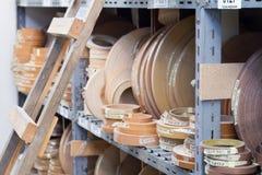 akcesoria meble kawowy drzwiowy groszkuje rękojeści Stubarwne bobiny PVC melanina dla manufaktury meble i krawędź Kłamstwo ostros Obraz Stock
