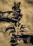 Akcesoria rycerz na piasku zdjęcia stock