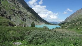 Akchan turquoise lake scenic view. Altai mountains. stock video