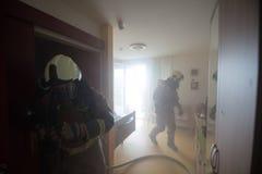 akci strażaka strażaków target681_1_ Zdjęcie Royalty Free