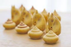 Akcyjna fotografia: Szachowi kawałki na chessboard Obraz Royalty Free