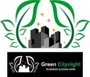 Akcyjna logo zieleni miasta noc Zdjęcie Royalty Free